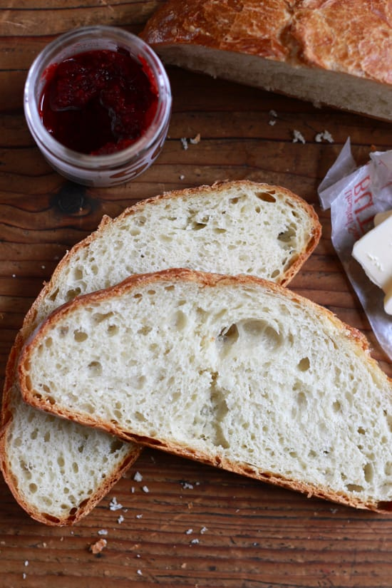 Jim Lahey's No-Knead Artisan Bread | theclevercarrot.com