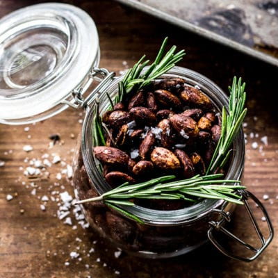 rosemary roasted almonds| theclevercarrot.com