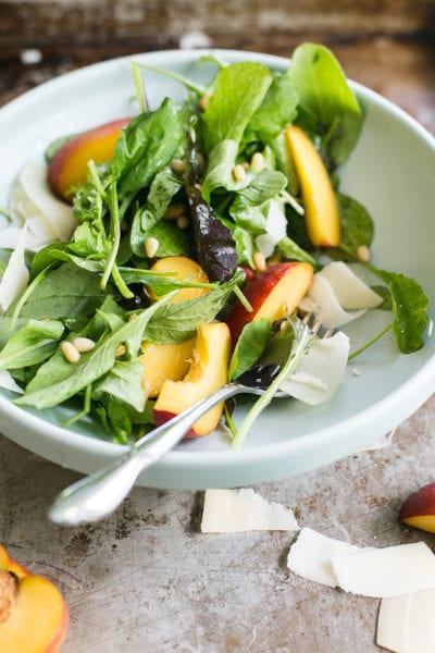 Arugula Salad with Nectarines + Pine Nuts | theclevercarrot.com